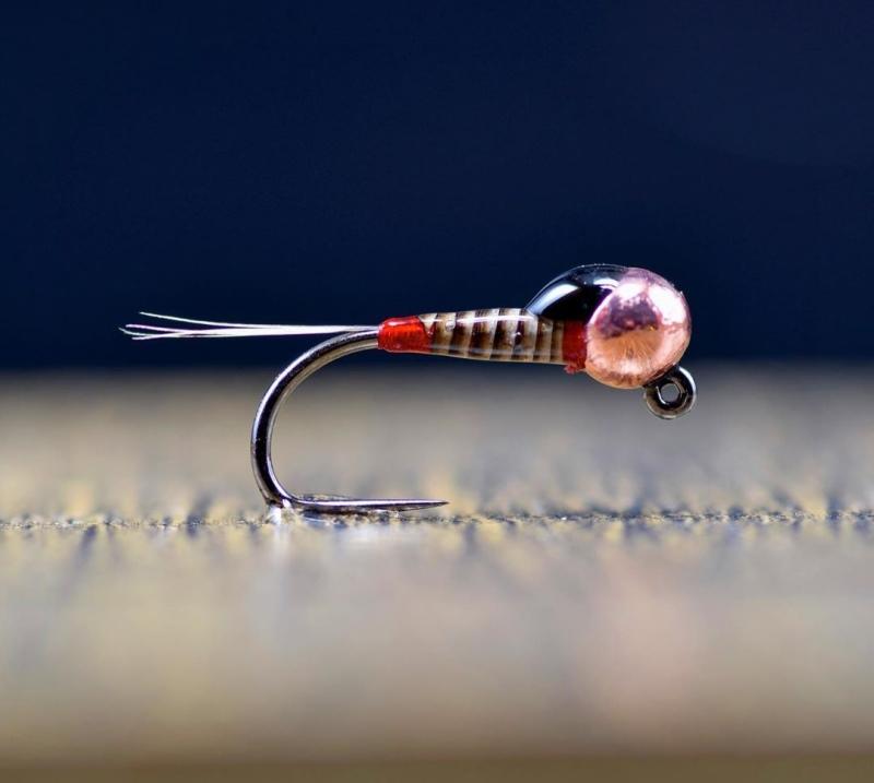 Вязание нахлыстовых мушек по вторникам, очередное занятие 21 января в 19-00, вяжем нимфу и червя
